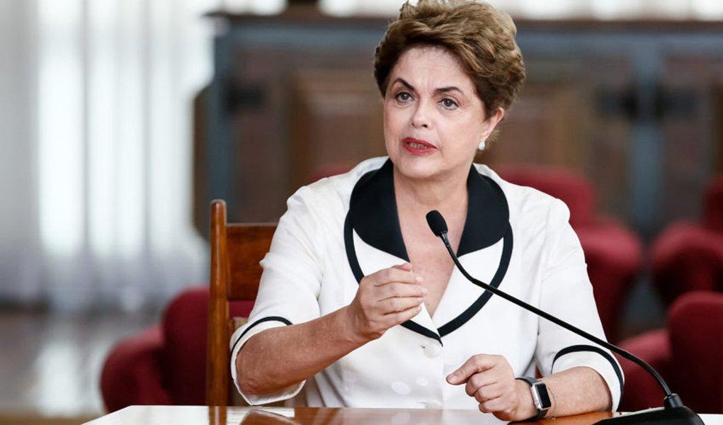 Brasília - DF, 02/09/2016. Presidenta Dilma Rousseff durante entrevista para agências internacionais no Palácio da Alvorada. Foto: Roberto Stuckert Filho/PR