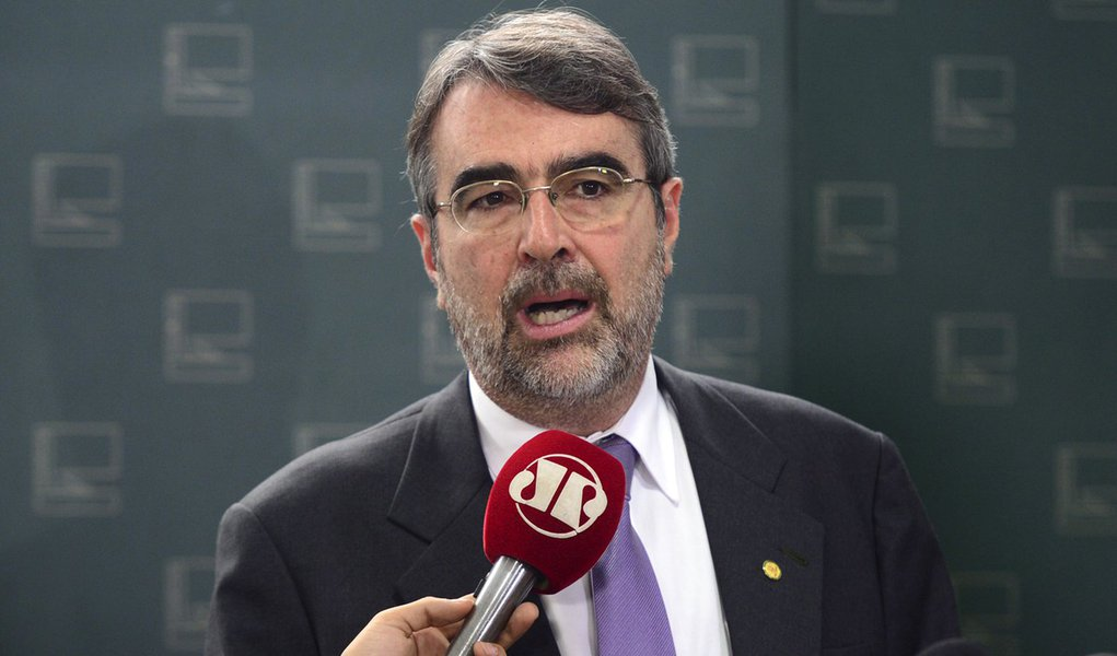Bras�lia - O deputado Henrique Fontana fala sobre o processo de Impeachment (Antonio Cruz/Ag�ncia Brasil)