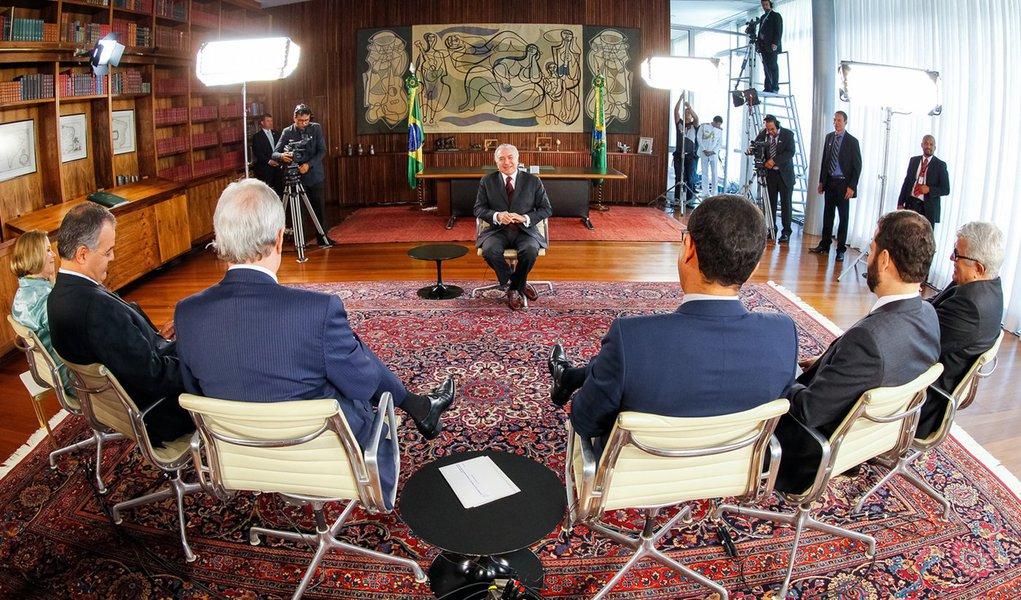 Brasília - DF, 11/11/2016. Presidente Michel Temer durante Gravação pa Rede TV - Roda Viva no Palácio da Alvorada. Foto: Beto Barata/PR