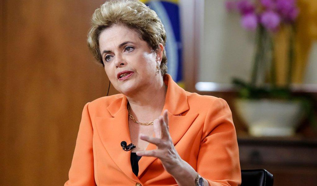 Brasília - DF, 04/05/2016. Presidenta Dilma Rousseff durante entrevista para BBC Londres no Palácio do Planalto. Foto: Roberto Stuckert Filho/PR