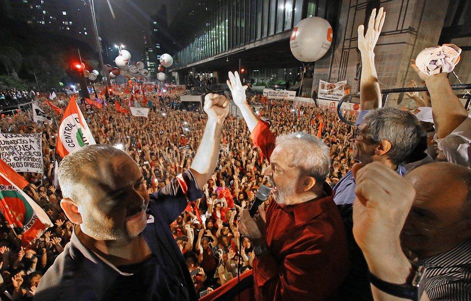 São Paulo- SP- Brasil- 18/03/2016- Ex-presidente Lula, durante ato de apoio ao governo Dilma Rousseff, na avenida Paulista. Foto: Ricardo Stuckert/ Instituto Lula