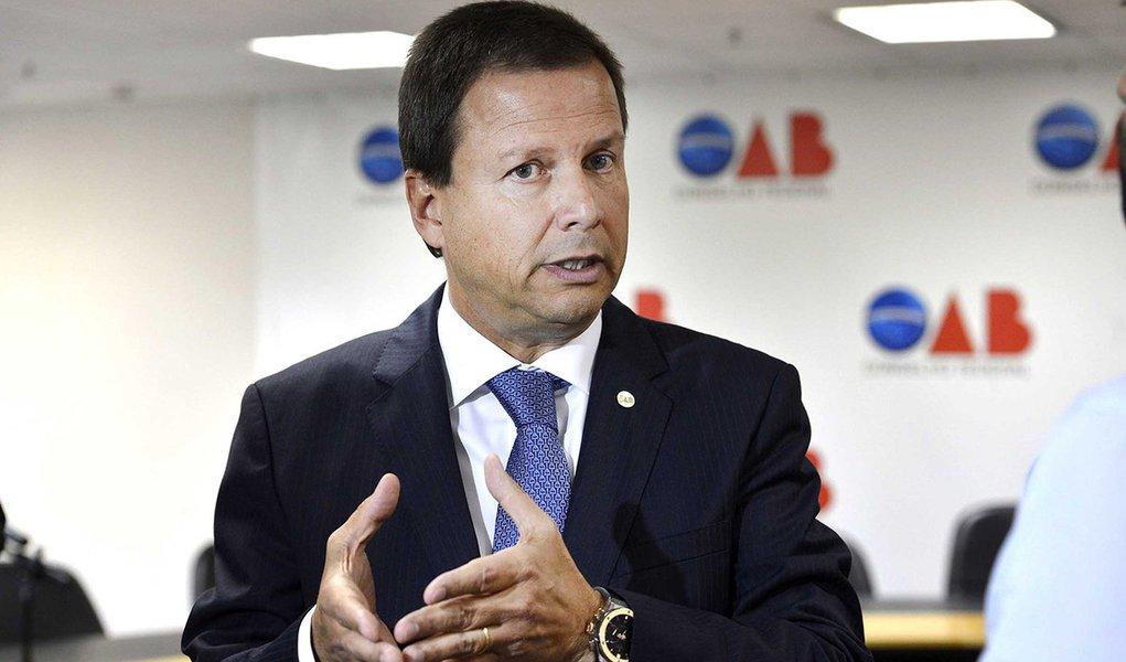 Brasília - O presidente da OAB, Cláudio Pacheco Prates Lamachia, durante coletiva fala sobre o senador Delcídio do Amaral (Valter Campanato/Agência Brasil)