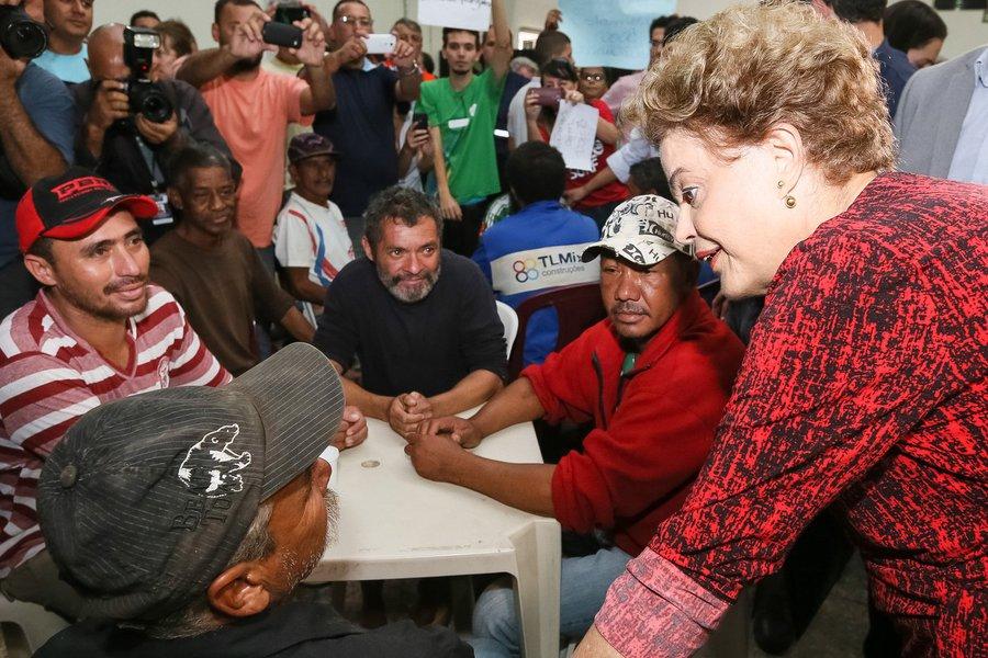 Franco da Rocha - SP, 12/03/2016. Presidenta Dilma Rousseff durante sobrevoo as áreas atingidas pela chuva no Estado de São Paulo. Foto: Roberto Stuckert Filho/PR