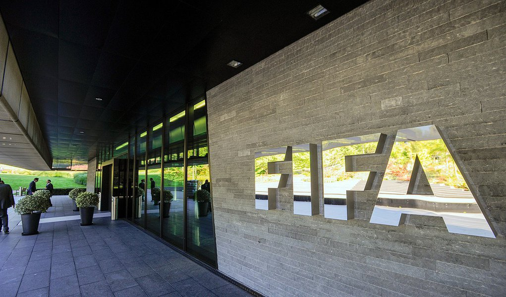 The logo of the FIFA (International Federation of Association Football) is seen on September 3, 2013 outside its headquarters in Zurich. AFP PHOTO / SEBASTIEN BOZON (Photo credit should read SEBASTIEN BOZON/AFP/Getty Images)