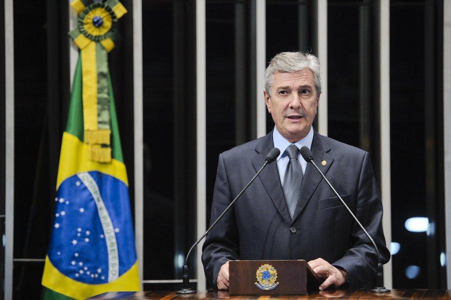Em discurso na tribuna do Senado, senador Fernando Collor (PTB-AL)