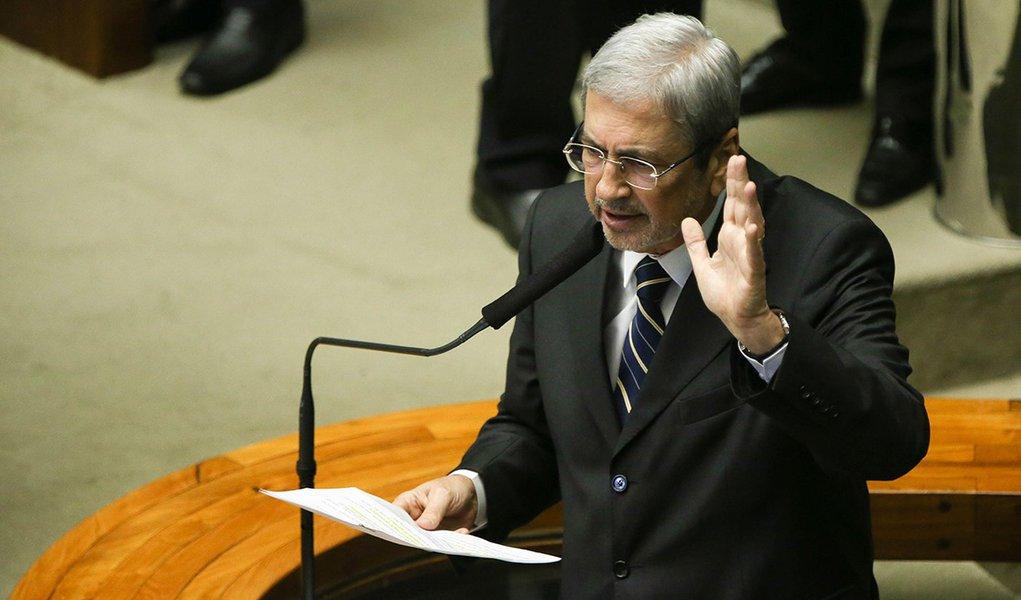 Brasília - Deputado Antonio Imbassahy fala durante a sessão para votação da autorização ou não da abertura do processo de impeachment da presidenta Dilma Rousseff, no plenário da Câmara dos Deputados. ( Marcelo Camargo/Agência Brasil)