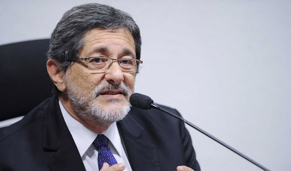 A CPI Mista da Petrobras ouve Sérgio Gabrielli, que presidiu a estatal de 2005 a 2012, em busca de esclarecimentos sobre a controversa compra da refinaria de Pasadena, no Texas (EUA)