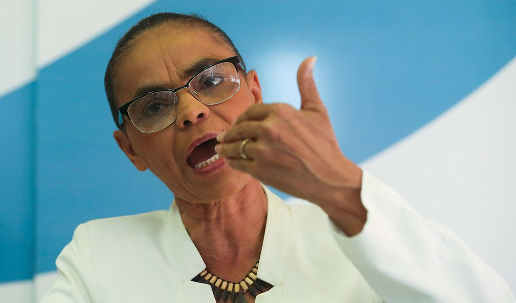 Brasília - Marina Silva, da REDE, faz avaliação do cenário político após aprovação do impeachment da presidenta Dilma Rousseff na Câmara (Wilson Dias/Agência Brasil)