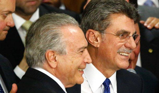 Brasília(DF), 12/05/2016 - Posse dos ministros do governo Michel Temer - Presidente Michel Temer e o Ministro do Planejamento Romero Jucá Foto: Daniel Ferreira/Metrópoles