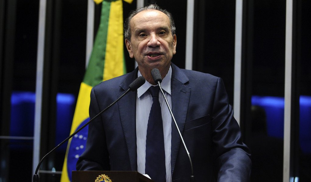 Plenário do Senado Federal durante sessão deliberativa ordinária. Em discurso, senador Aloysio Nunes Ferreira (PSDB-SP). Foto: Marcos Oliveira/Agência Senado