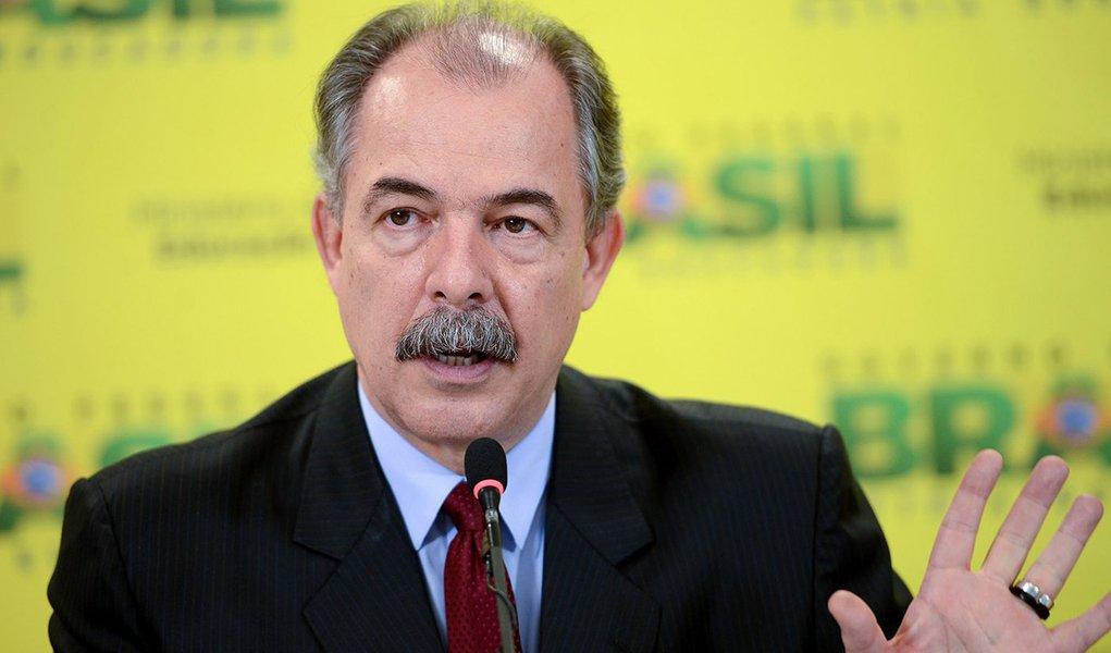 O ministro da Educação, Aloizio Mercadante, anuncia hoje as regras para o Exame Nacional do Ensino Médio (Enem) em 2016. . (Elza Fiuza/Agência Brasil)
