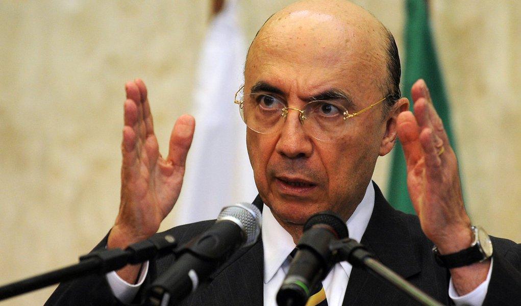 Brasilia - O presidente do Banco Central, Henrique Meirelles, empossa hoje Luiz Awazu Pereira no cargo de diretor de Assuntos Internacionais.
