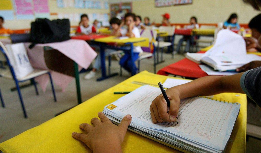 Alunos da terceira série da Escola Municipal Professora Leonor Mendes de Barros, em Barra do Chapéu, interior de SP, escola pública mais bem avaliada pelo MEC pelo programa de reforço e didática escolar.