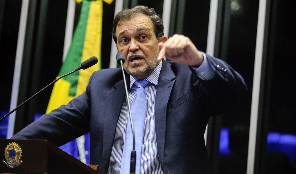 Plenário do Senado Federal durante sessão deliberativa ordinária. Em discurso, senador Walter Pinheiro (PT-BA). Foto: Moreira Mariz/Agência Senado.