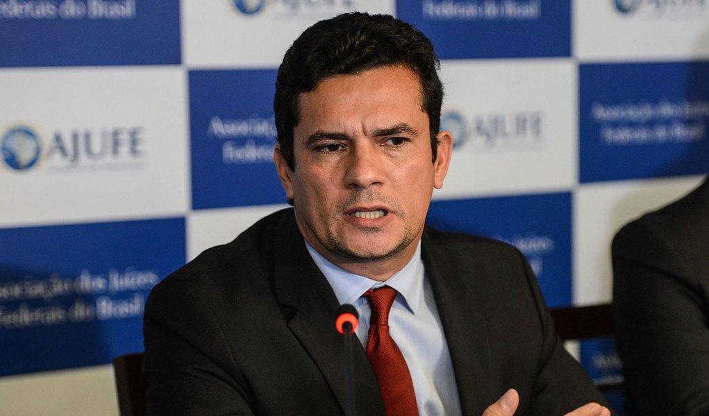 Brasília- DF- Brasil- 07/04/2015- O juiz federal Sérgio Moro participa de apresentação de um conjunto de medidas contra a impunidade e pela efetividade da Justiça, na sede Associação dos Juízes Federais do Brasil (Fabio Rodrigues Pozzebom/Agência Brasil)