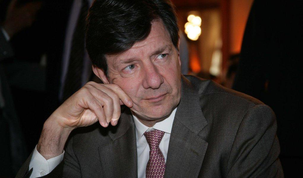 25.03.2011 SAO PAULO .EXCLUSIVO EMBARGADO DIRETO DA FONTE ROBERTO SETUBAL NO ALMO�O DE ENTREGA DE PREMIO A ROBERTO SETUBAL NO ROSA ROSARIUM. FOTO:PAULO GIANDALIA/AE