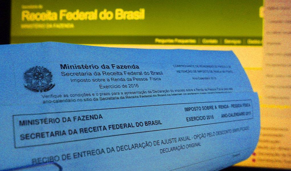 S'ao paulo 21 abril 2016 dia 29 de abril [e o ultimo dia para entrega do imposto de renda. foto Fernanda Carvalho fotospublicas