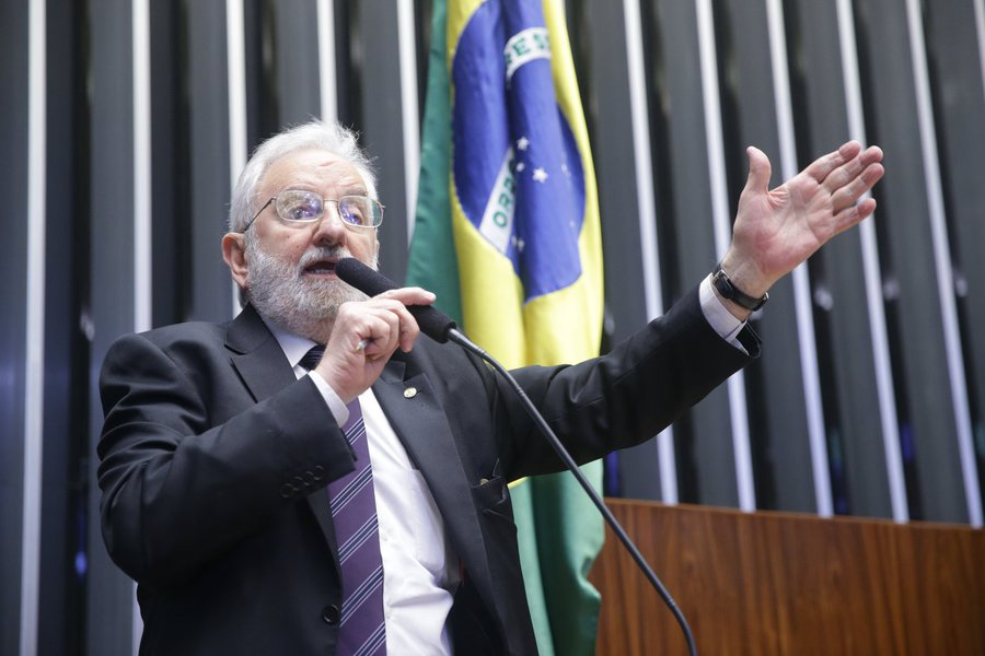 Deputado Ivan Valente (PSOL).