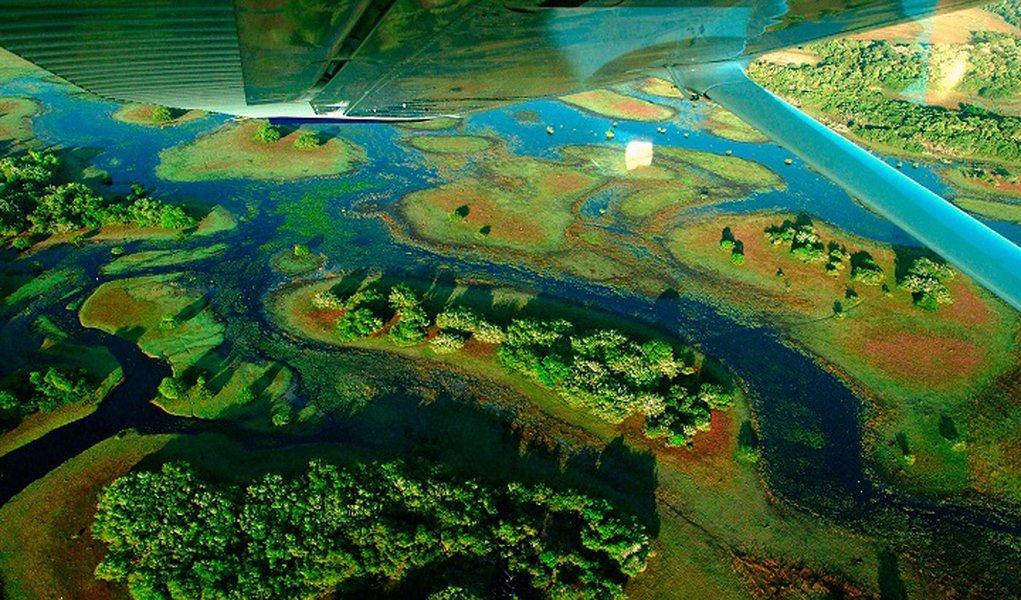 Mato Grosoo do Sul 30/06/2003. FOTO/DIGITAL: ICHIRO GUERRA. Viata aerea do pantanal.