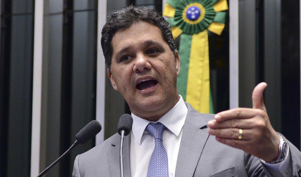 Plenário do Senado durante sessão deliberativa ordinária. Em discurso, senador Ricardo Ferraço (PMDB-ES). Foto: Ana Volpe/Agência Senado