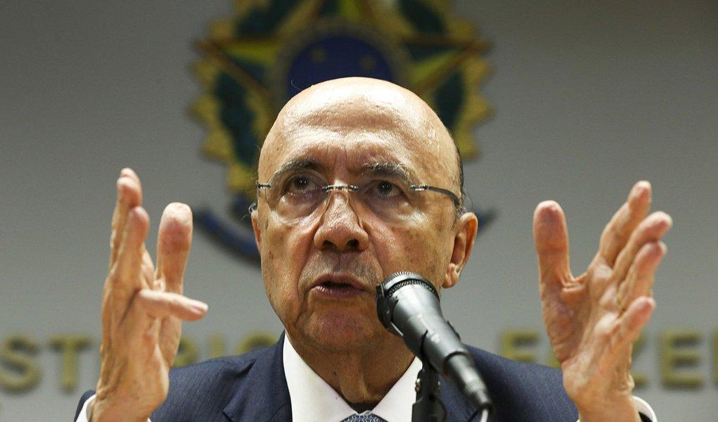 Brasília - O Ministro da Fazenda, Henrique Meirelles, durante entrevista coletiva.( Marcelo Camargo/Agência Brasil)