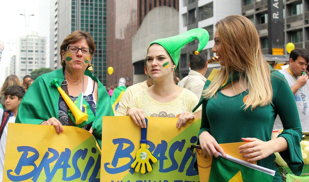 São Paulo- SP- Brasil- 13/03/2016- Manifestação contra a corrupção e pela saída da presidenta Dilma Roussef, na avenida Paulista. Foto: André Tambucci/ Fotos Públicas