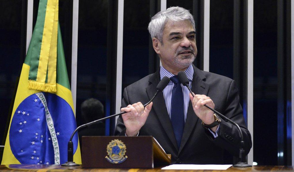Plenário do Senado Federal durante sessão não deliberativa. Em discurso, senador Humberto Costa (PT-PE). Foto: Ana Volpe/Agência Senado
