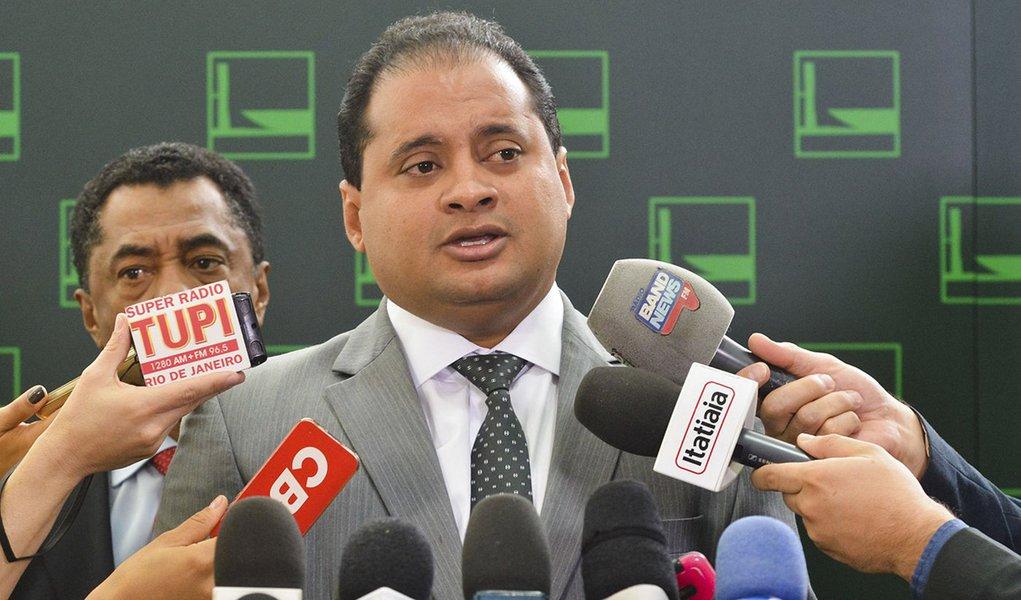 Brasília - Entrevista do líder do PDT, deputado federal Weverton Rocha, sobre o apoio ao governo de Dilma na questão do Impeachment (Antonio Cruz/Agência Brasil)