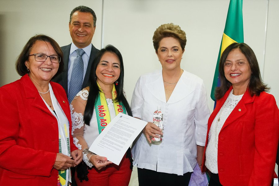 Brasília - DF, 14/04/2016. Presidenta Dilma Rousseff durante encontro com o Governador da Bahia, Rui Costa e parlamentares da bancada da Bahia. Foto: Roberto Stuckert Filho/PR