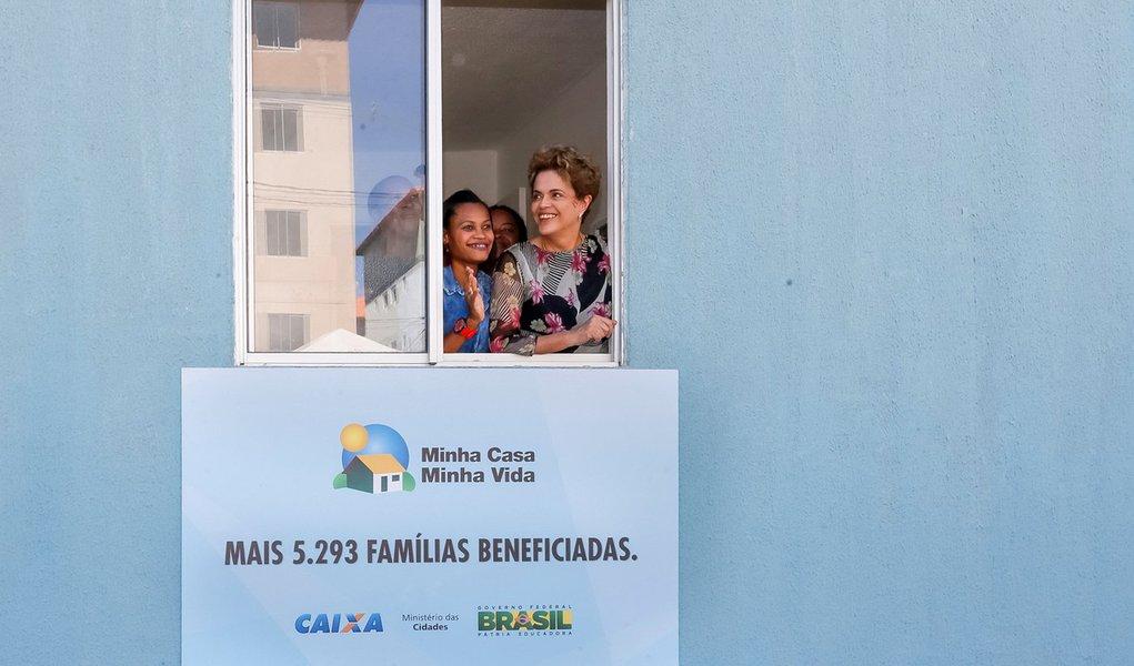 Salvador - BA, 26/04/2016. Presidenta Dilma Rousseff durante cerimônia de entrega de unidades habitacionais em Salvador/BA e entregas simultâneas em São Carlos/SP, em Pirassununga/SP, em Caucaia/CE e em Santa Maria/RS. Foto: Roberto Stuckert Filho/PR