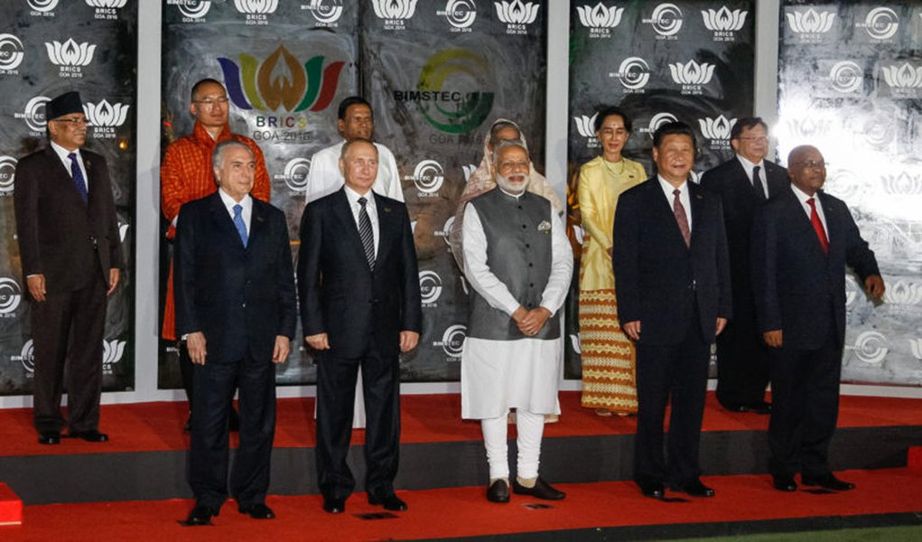 Goa - Índia, 16/10/2016. Presidente Michel Temer, posa para foto oficial com os Chefes de Estado e de Governo do BRICS e do BIMSTEC. Foto: Isac Nóbrega/PR