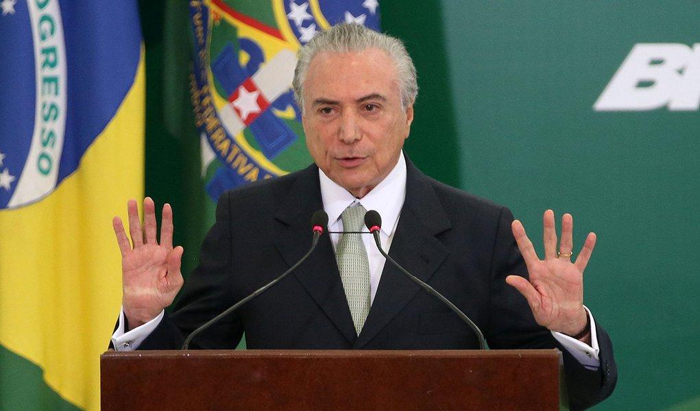 Brasília - Presidente Michel Temer durante anúncio do calendário de saque das contas inativas do Fundo de Garantia do Tempo de Serviço (FGTS), em cerimônia no Palácio do Planalto (Antonio Cruz/Agência Brasil)