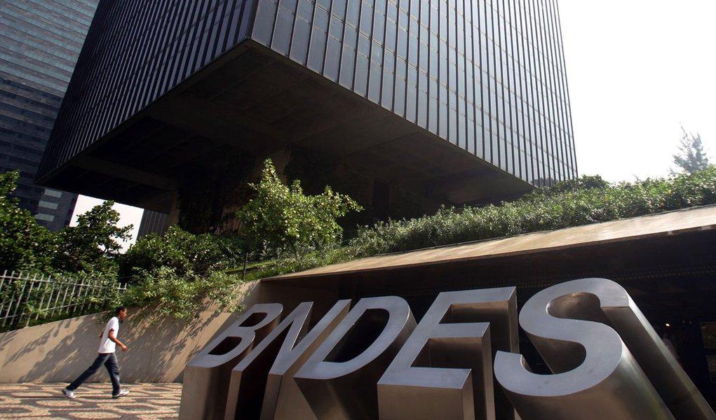 Brasil, Rio de Janeiro, RJ. 06/05/2010. Prédio do Banco Nacional de Desenvolvimento Econômico e Social (BNDES), no centro do Rio de Janeiro. - Crédito:PAULO VITOR/AGÊNCIA ESTADO/AE/Codigo imagem:56876