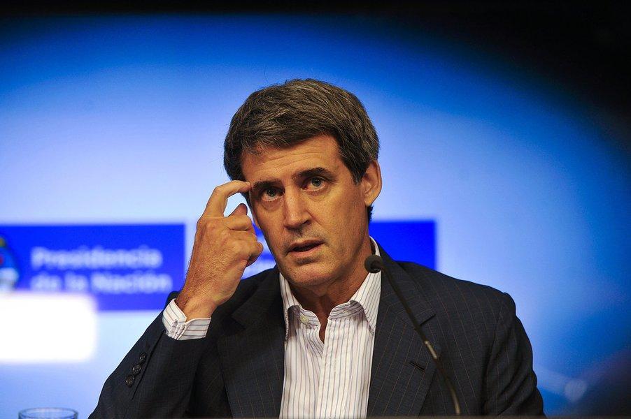 Télam 30/12/2015 Buenos Aires: El ministro de Economía, Alfonso Prat Gay,