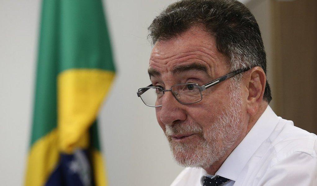 Brasília- DF 23-12-2015 Foto Lula Marques/Agência PT ministro do Desenvolvimento Agrário, Patrus Ananias, durante exclusiva.