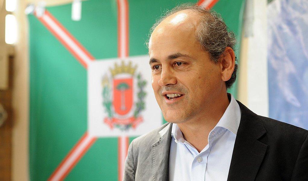 Gustavo Fruet anuncia parte do secretariado municipal nessa segunda feira 17. Foto Everson Bressan