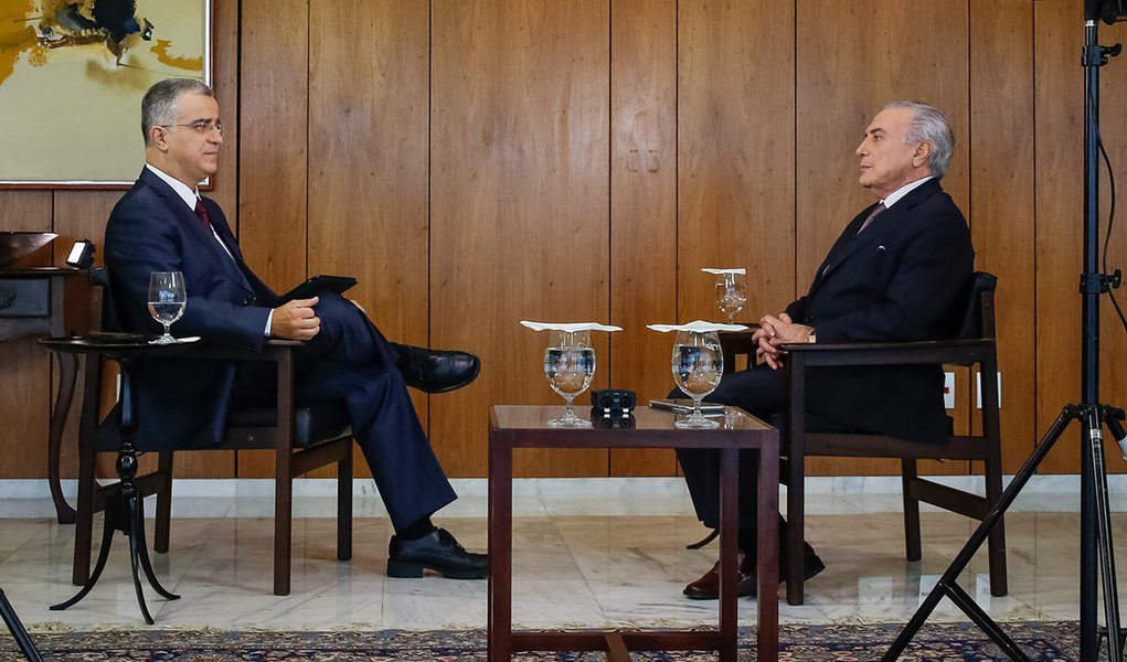 Brasília - DF 07/10/2016. Presidente Michel Temer durante entrevista para o jornalista Kennedy Alencar do SBT. Foto: Carolina Antunes/PR
