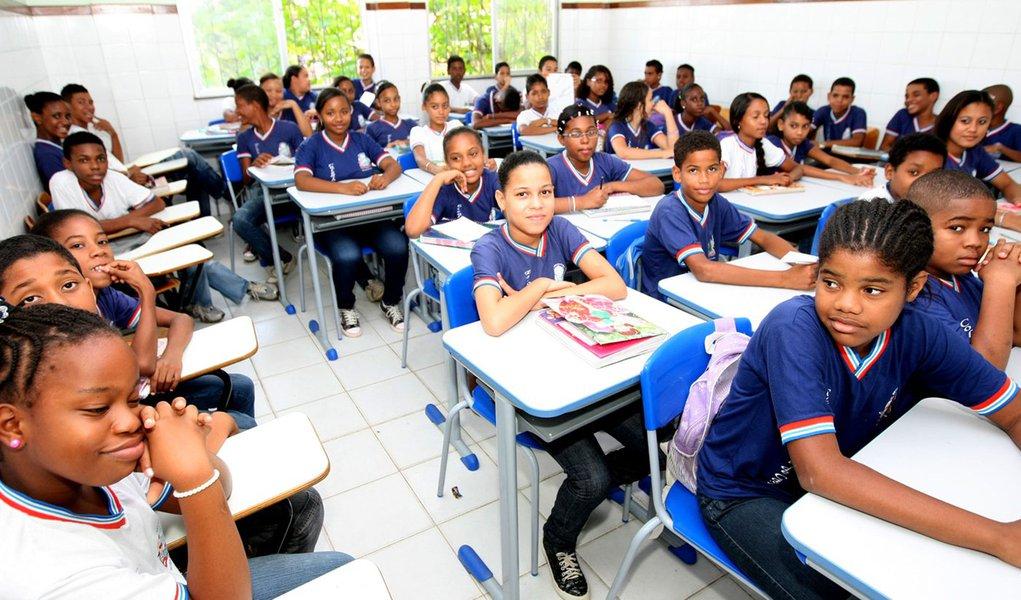 Retorno �s aulas da Rede Estadual de Ensino. Na Foto: Escola Estadual Santa Rita de C�ssia - �guas Claras Foto: Alberto Coutinho/Secom