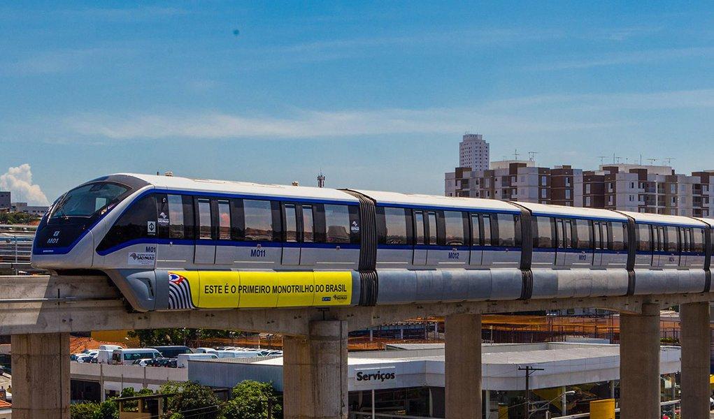 Monotrilho - Linha 15, na Vila Prudente em São Paulo.DATA: 10/01/2014. LOCAL: São Paulo/SP FOTO: DIOGO MOREIRA/A2 FOTOGRAFIA