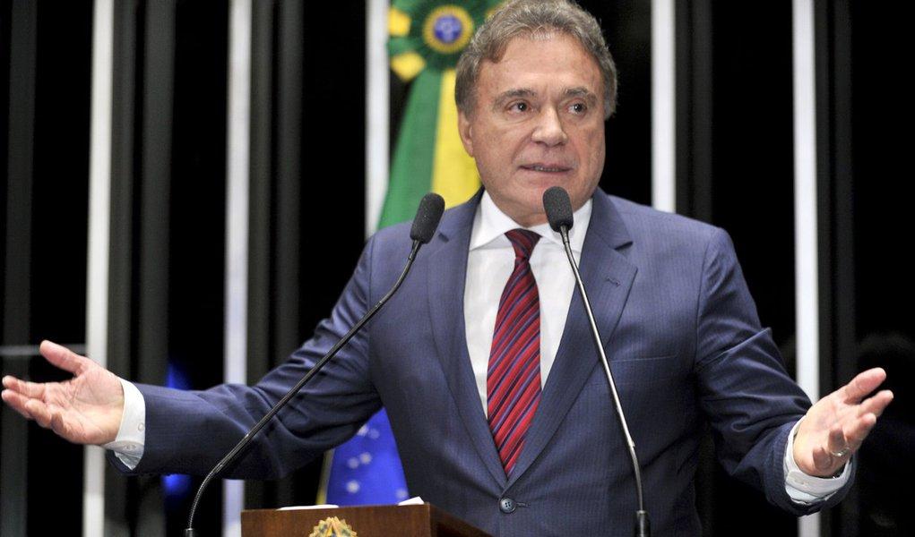 Plenário do Senado Federal durante sessão deliberativa ordinária. Em discurso, senador Alvaro Dias (PSDB-PR). Foto: Waldemir Barreto/Agência Senado