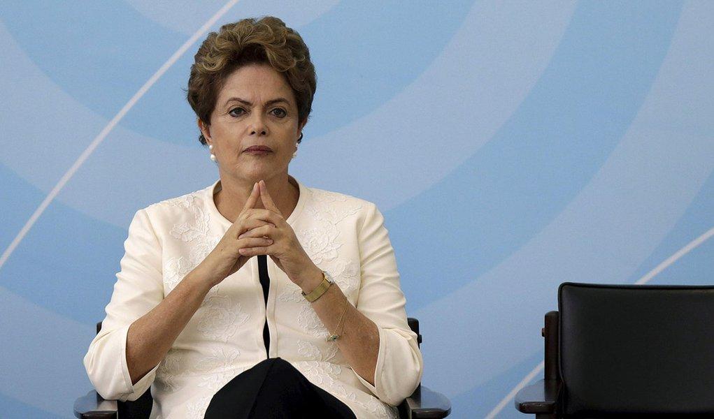 Presidente Dilma Rousseff durante cerimônia no Palácio do Planalto, em Brasília, em novembro. 24/11/2015 REUTERS/Ueslei Marcelino