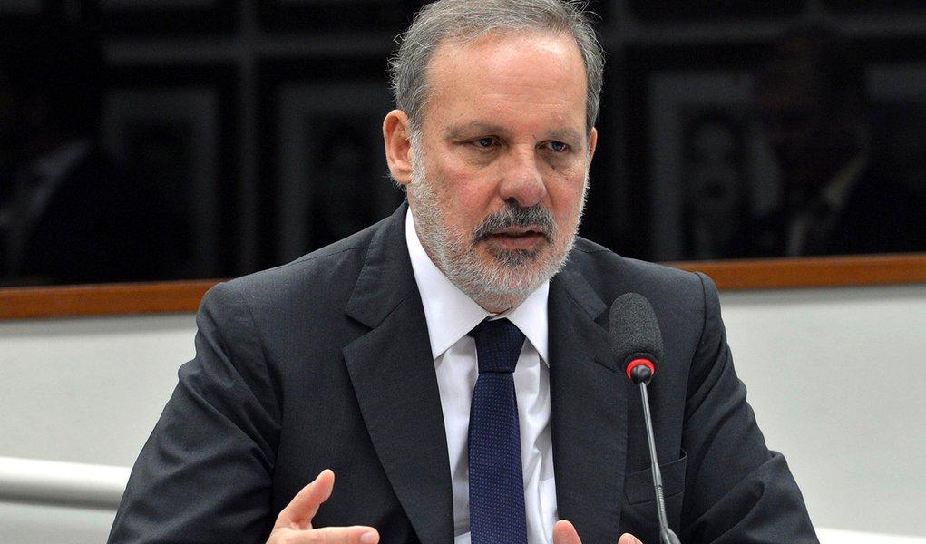 Brasília - Audiência pública da CPI do BNDES com o ministro do Desenvolvimento, Indústria e Comércio Exterior, Armando Monteiro Neto (Antonio Cruz/Agência Brasil)