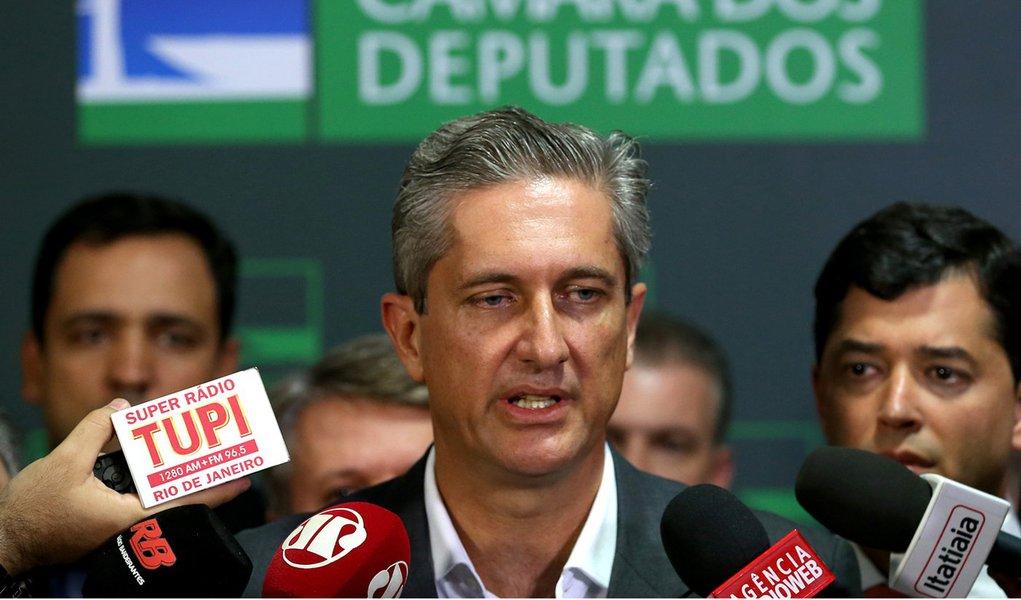 Brasília - O líder do PSD na Câmara, deputado Rogério Rosso, fala à imprensa (Wilson Dias/Agência Brasil)