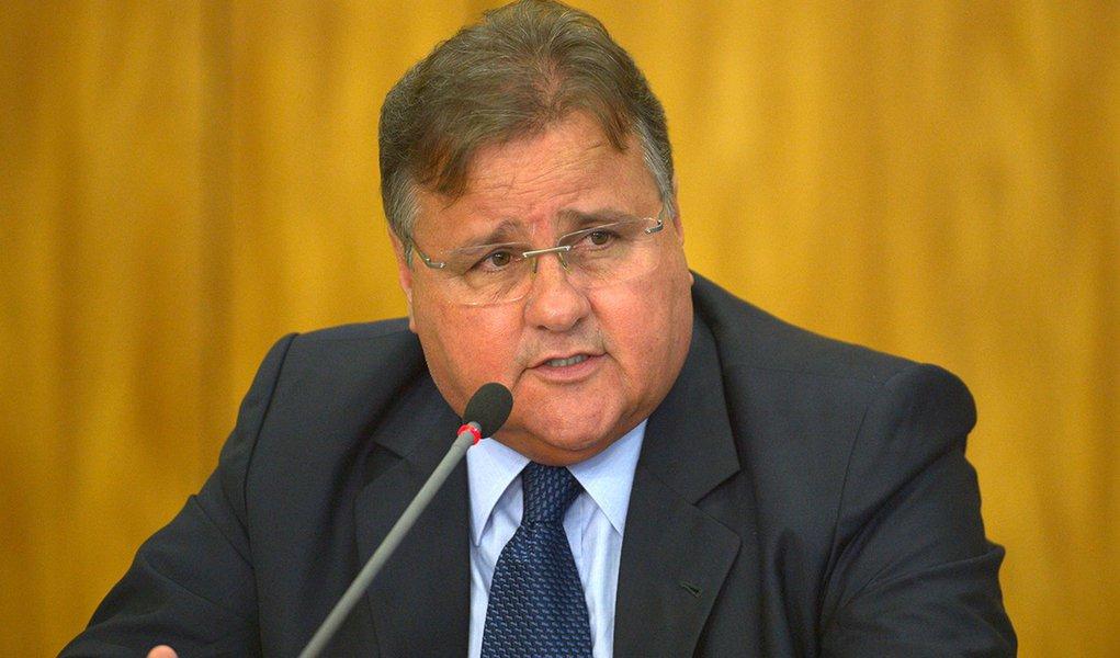 Brasília - O ministro da Secretaria de Governo, Geddel Vieira Lima, anuncia medidas para reduzir os gastos públicos (José Cruz/Agência Brasil)