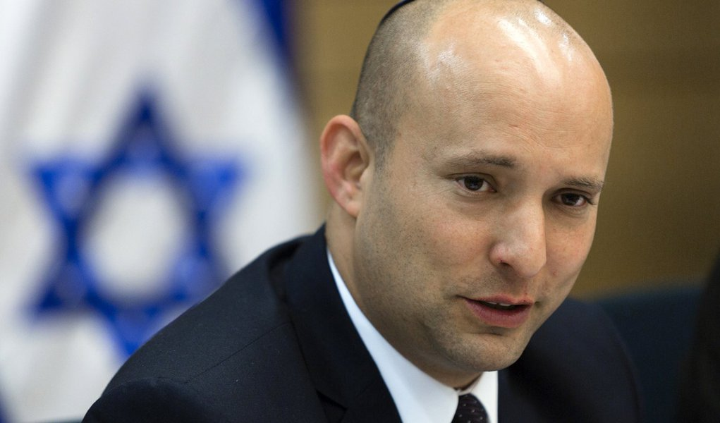 Minister of Economics Naftali Bennett attends an Economic Affair committee in the Israeli parliament during a discussion regarding strenghtening Israeli industry. February 11, 2014. Photo by Flash 90