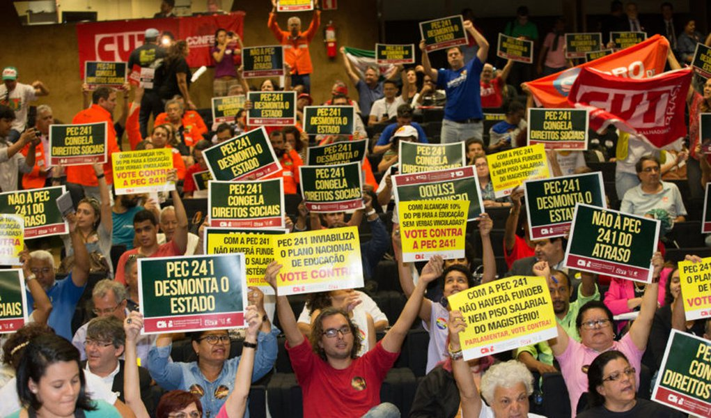 Brasília- DF 05-10-2016 Ato contra a PEC 241 no auditório Nereu Ramos na câmara. Foto Lula Marques/Agência PT