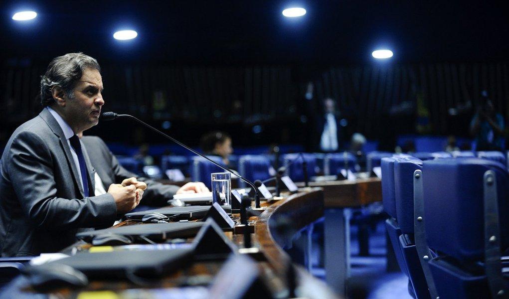 Plenário do Senado Federal durante sessão deliberativa ordinária. Em pronunciamento, senador Aécio Neves (PSDB-MG). Foto: Marcos Oliveira/Agência Senado