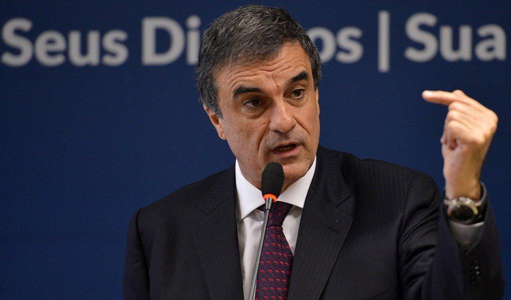 O ministro da Justiça, José Eduardo Cardozo fala em coletiva sobre a redução da maioridade penal (José Cruz/Agência Brasil)