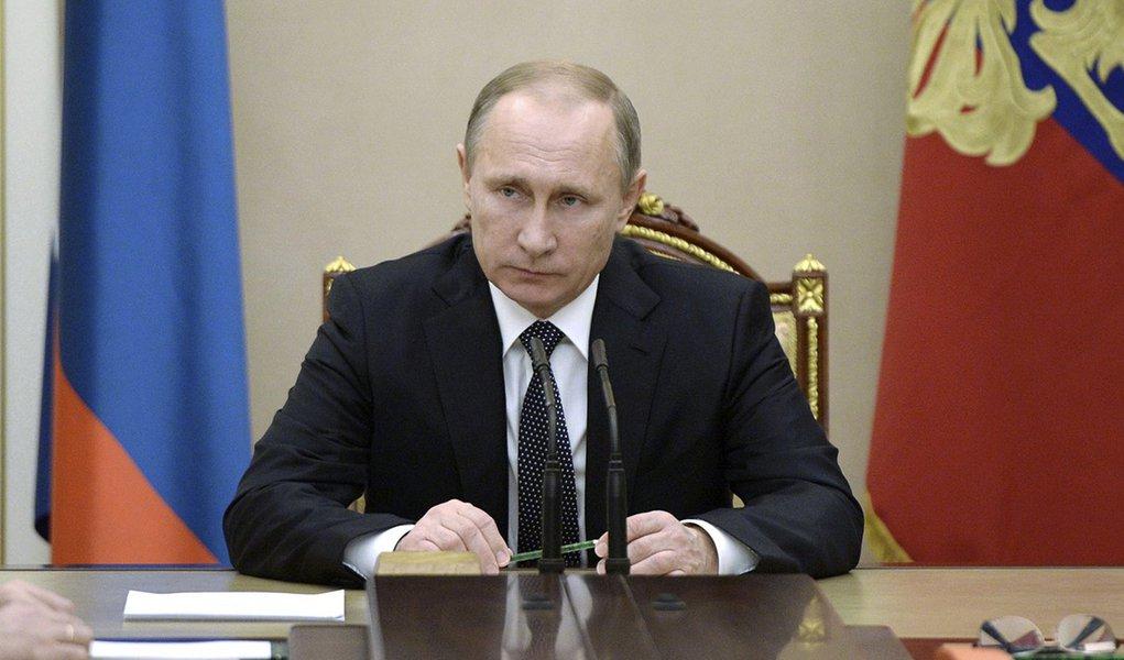 Presidente russo, Vladimir Putin, durante reunião de segurança no Kremlin, em Moscou, na Rússia. 04/12/2015 REUTERS/Alexei Nikolsky/Sputnik/Kremlin