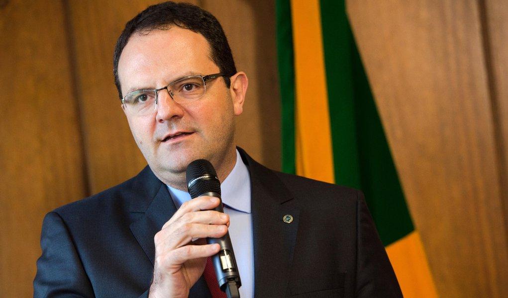 Brasília - Novo ministro da Fazenda, Nelson Barbosa, recebe o cargo do ex-ministro Joaquim Levy, em solenidade no Ministério (Marcelo Camargo/Agência Brasil)
